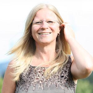 Sabrina Herber ist Expertin für Aromatherapie und Aromapflege.